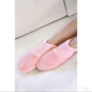 KFab Designs Shoes - PRICE FIRM Plush Faux Fur Slippers